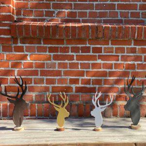 Stehende Hirsche aus der sbr gGmbH Holzwerkstatt