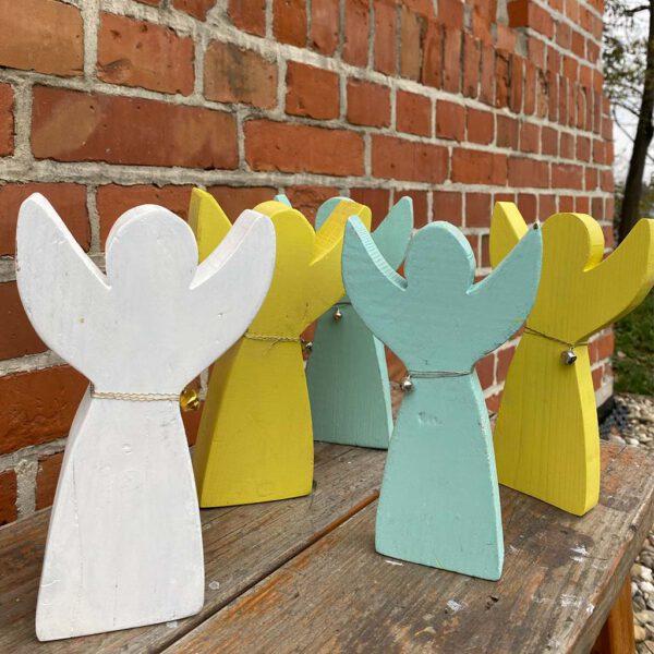 Engel mit Flügeln nach oben Deko aus der sbr gGmbH Holzwerkstatt