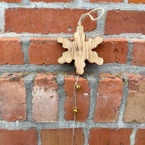 Schneeflocke Deko aus der sbr gGmbH Holzwerkstatt